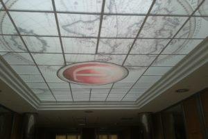 Falso techo retroiluminado realizado para Cristian Lay